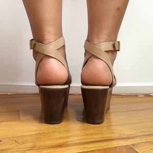 Elizabeth and James Shoes - Elizabeth and James tan and wood platform Sandal